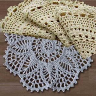 Centro de Mesa JAB Tela tipo Crochet en Algodón y Poliester.