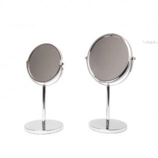 Espejo Dulav Con Pie de Mesa Color Acero Cromado de Metal Silver.
